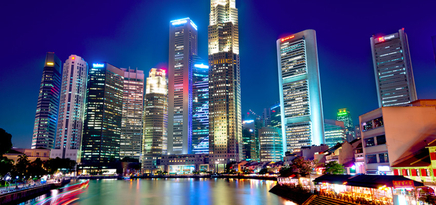 Beautiful night view of Boat Quay (Credit Chris Howey via Shutterstock)