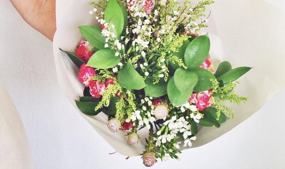 Flower delivery in Singapore: Local floral shops and online florists with beautiful blooms
