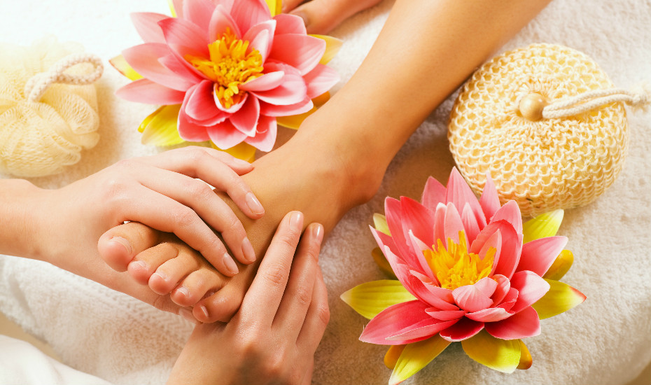 Foot reflexology in Singapore: Best spas for relaxing foot massages