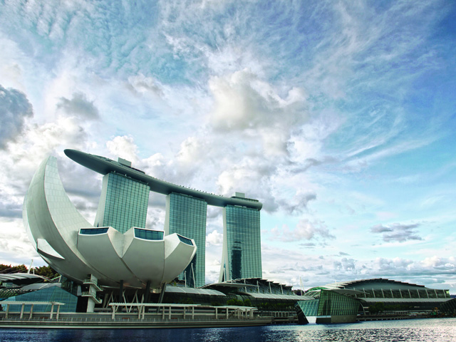 Pass the stunning Art Science Museum and Marina Bay Sands on your boat ride