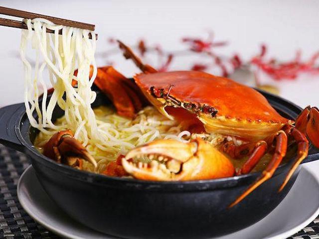 The claypot crab vermicelli soup is Mellben's signature dish