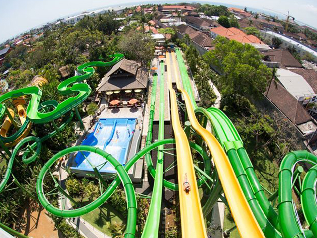 Try Waterbom Bali fun slides like Smash Down 2.0, Double Twist, Fast N'Fierce and Twin Racer!