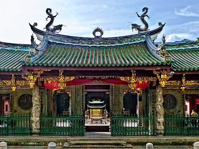 Chinese temples in singapore where to see buddha statues for Architecture orientale