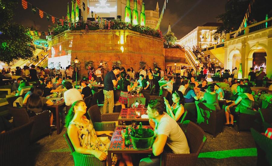 Killer happy hour deals and live music make for a rollickin' good time (Photo credit: Highlander via Facebook)