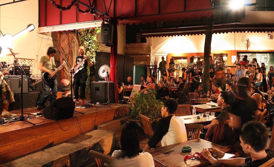 Live music and killer deals make for a rollickin' good time at Timbre (Photo credit: Timbre via Facebook)