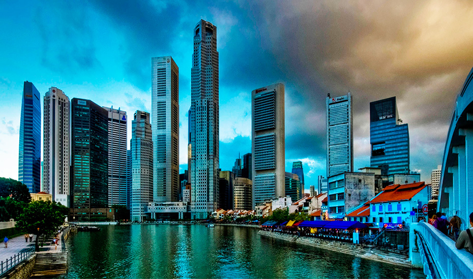 The beautiful Central Business District of Singapore (Credit: Yogesh Rao via Flickr)