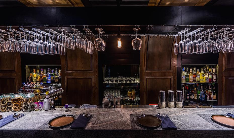 La Binchotan's granite bar