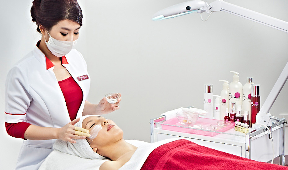 Facial treatments in Singapore: Tackle pigmentation problems and brighten your skin at Shakura, the Pigmentation Specialist