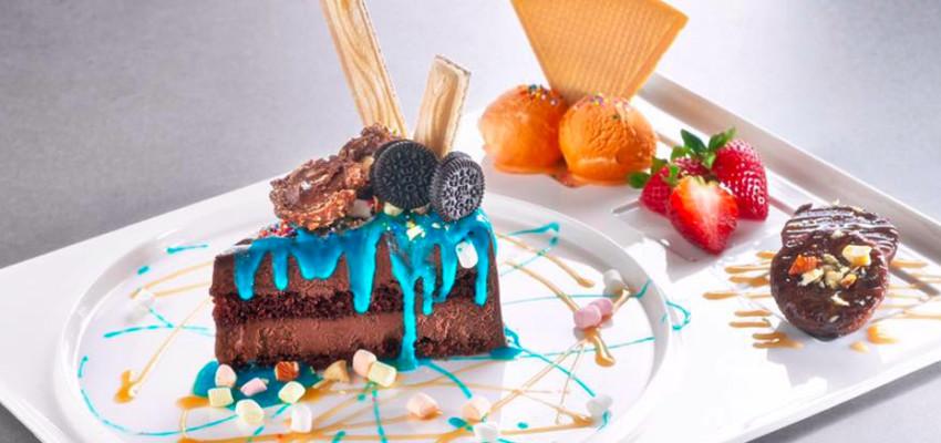 The popular Chocolate Seduction Truffle Cake from Sugar Lips (Credit: Sugar Lips via Facebook)
