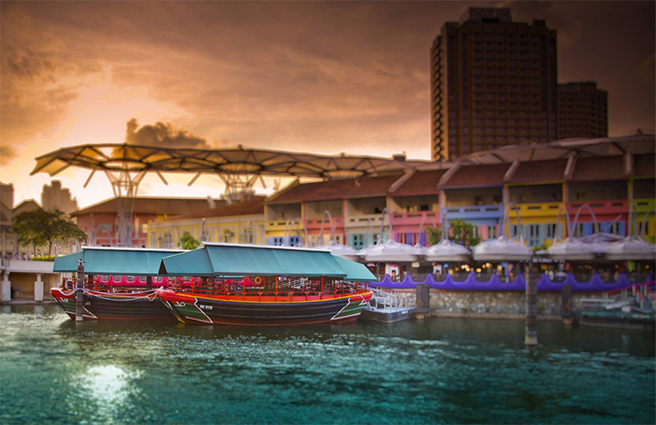 Chill out along the Singapore River