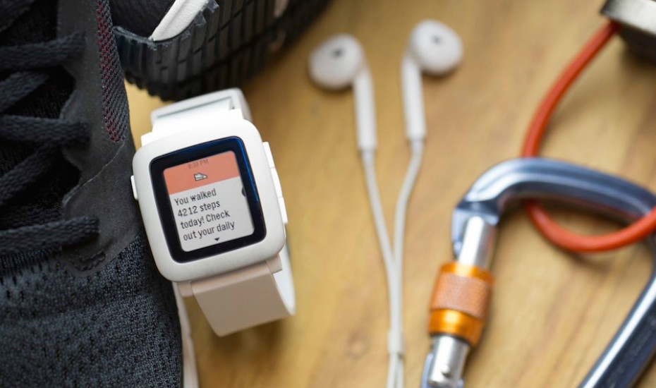 Pebble Time: The successor to the original Pebble Classic. (Photo credit: Pebble via Facebook) Read more at http://thehoneycombers.com/singapore/best-smart-watches-singapore-comparison-wearable-technology-ios-android/#ygQMlvgy86CyPL0Z.99