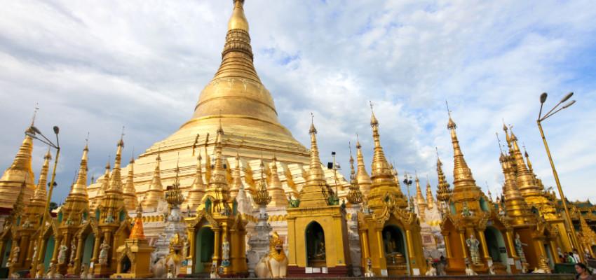 The Shwedagon Pagoda in Yangon, photo credit: Asian Civilisations Museum
