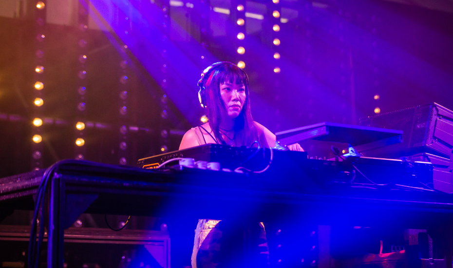 A/K/A Sounds had the crowd in the palm of her hand even at an early timing (Credit: Nor Asyraf / Laneway Festival Singapore)