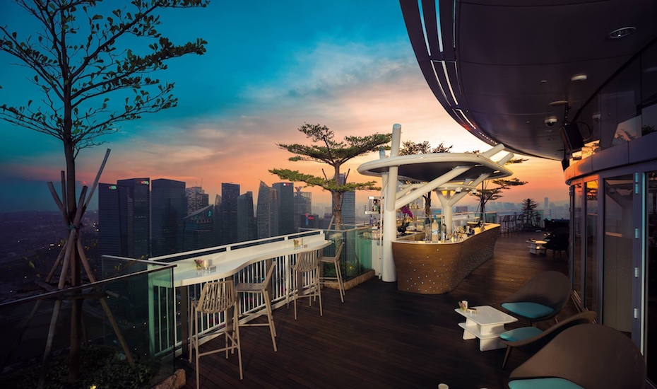 happy hour in marina bay  singapore  bars and restaurants with cheap drinks