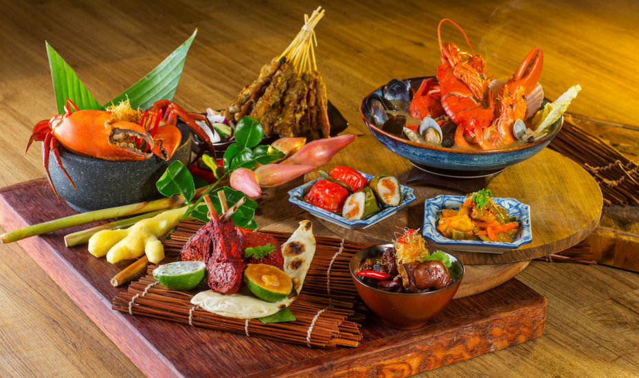 Review of Ginger at PARKROYAL on Beach Road: Is this a buffet of fresh seafood, chilli crab and local fare worth breaking your diet for?