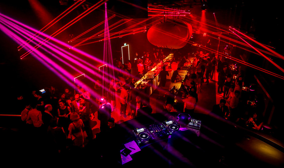 Shanghai's iconic Bar Rouge lands at Swissôtel The Stamford, Singapore