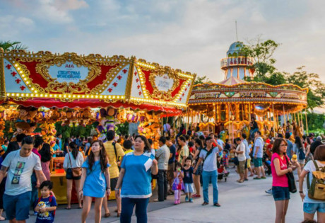 Christmas markets, bazaars and pop-ups: where we're shopping for gifts (Photography: Gardens by the Bay via Facebook)