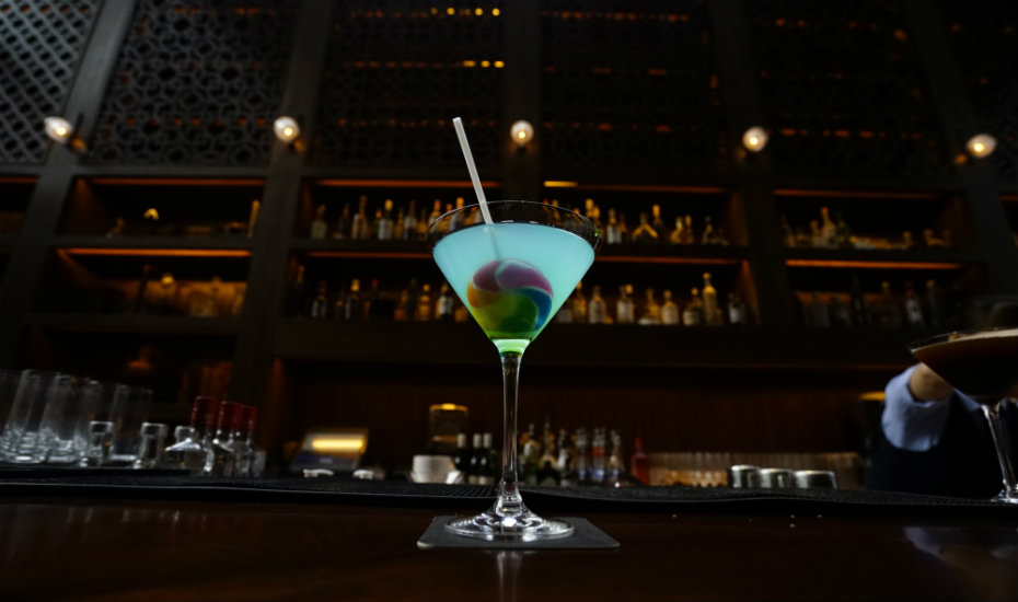 Snap these Instagram-worthy martinis at mezza9 in Grand Hyatt Singapore