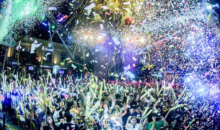 Clarke Quay is throwing one the craziest, free NYE parties in Singapore