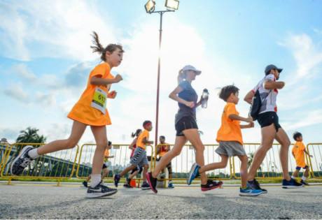 running-marathons-income-eco-run-hero