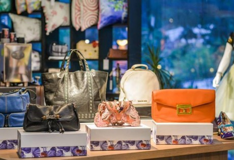Fashion Pulpit's Auction Swap: swap your clothes and accessories and bid for designer items