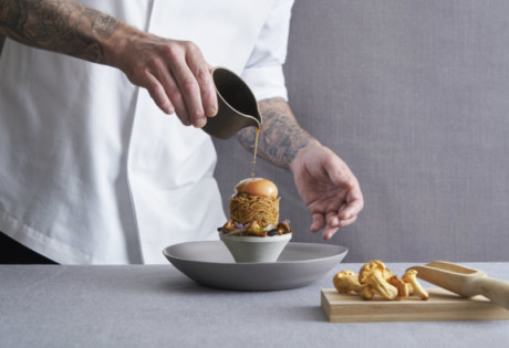 Crispy Rye Noodle | Swissotel The Stamford