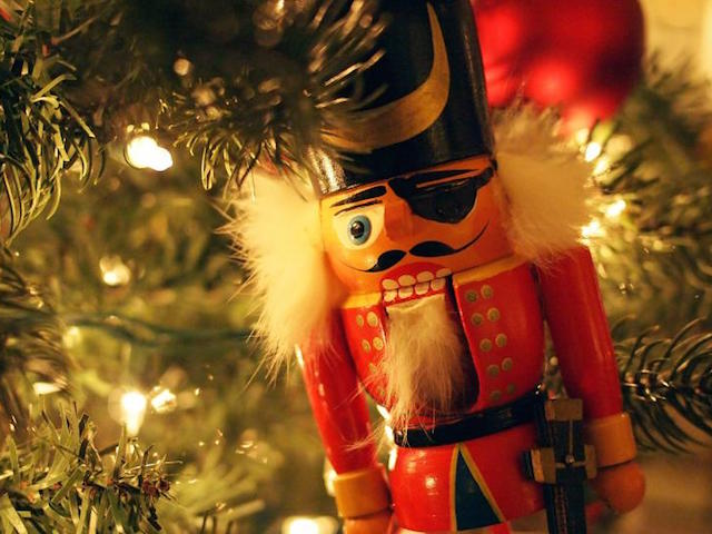 where to buy christmas decorations in jakarta