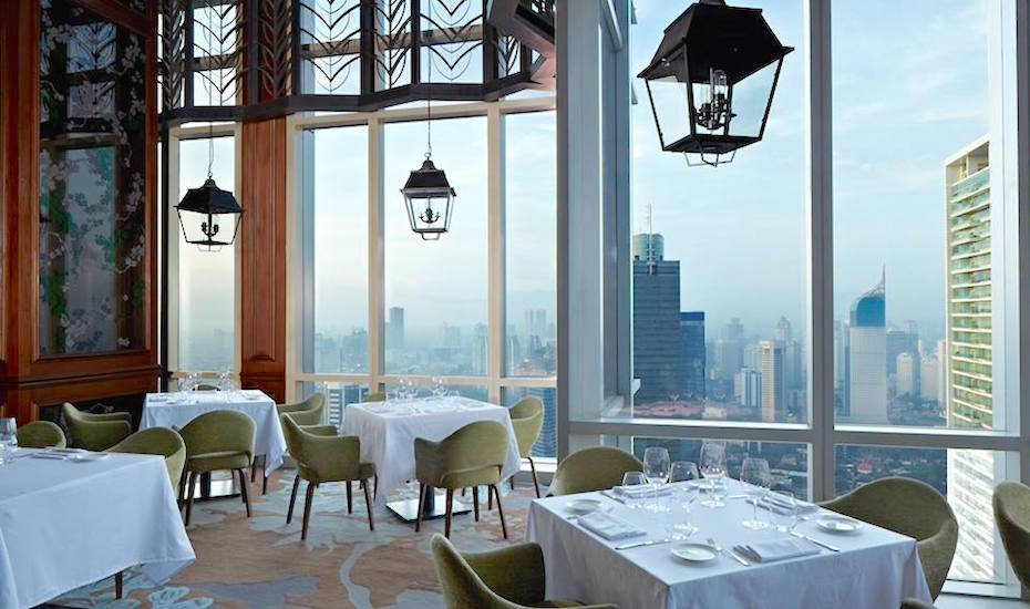 Enjoy killer city views while you dine with your date. Image Credit: Salt Grill by Luke Mangan