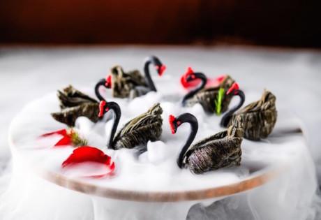 jakarta-restaurant-li-feng-swan dumpling-with-duck-meat