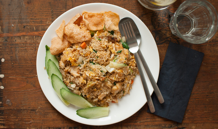 Nasi goreng tastes much better when it comes from one of the late night street food stalls! Image Credit: miss_yasmina via Flickr.