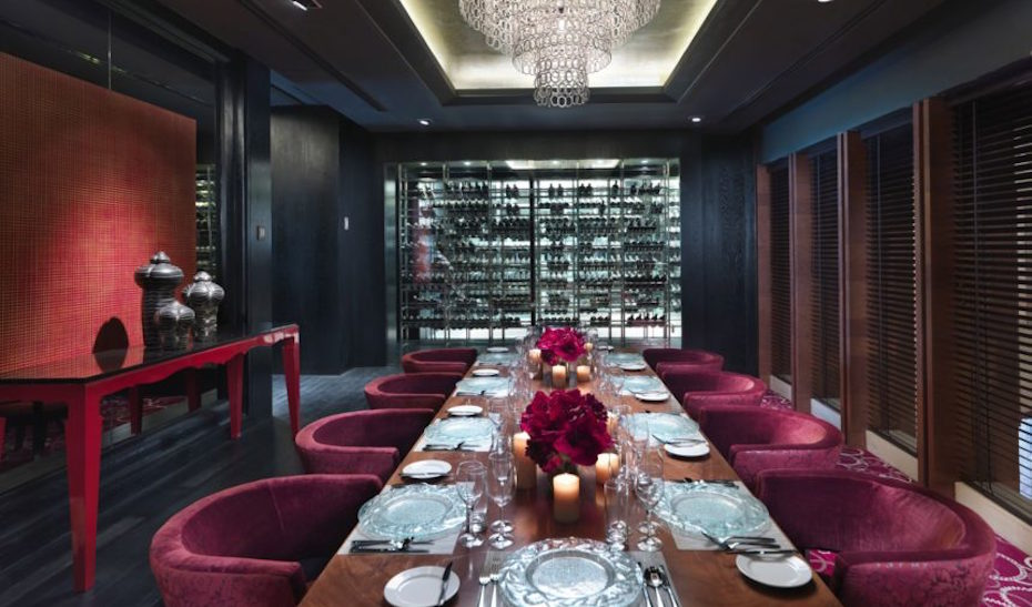 Lyon's grand and opulent private dining room. Image Credit: Mandarin Oriental