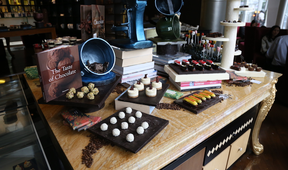 Afternoon Tea in Jakarta: Le Chocolat at Pullman Jakarta is rolling out an all-you-can-eat chocolate-themed high tea