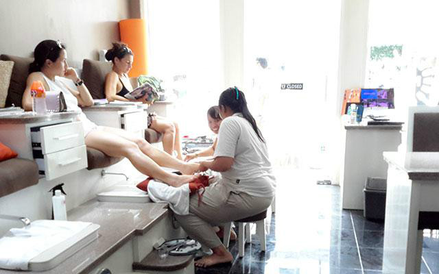 Nail Salons Bali furthermore Ve ian Nail Spa further Stock Photo Girl Doing Manicure Beauty Salon Young Lady Image32343130 as well Universal Car Front Rear Seat Covers Cushion Pad For Crossovers Suv Sedan additionally Pop Up Barber Shop. on nail salon interior