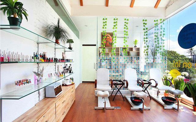 Bali's Best Nail Salons: The Shampoo Lounge