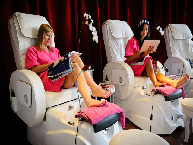 Bali's Best Nail Salons: Think Pink Nails