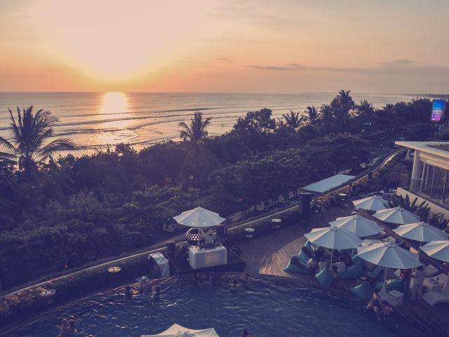 Sunset events: White Magic Sunsets