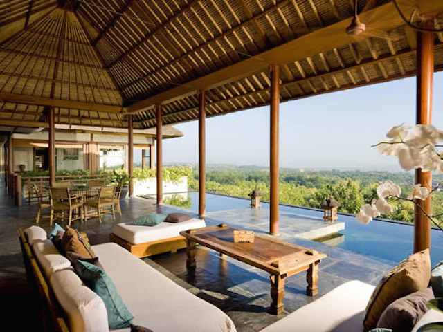 Family villas in Bali:  The Longhouse