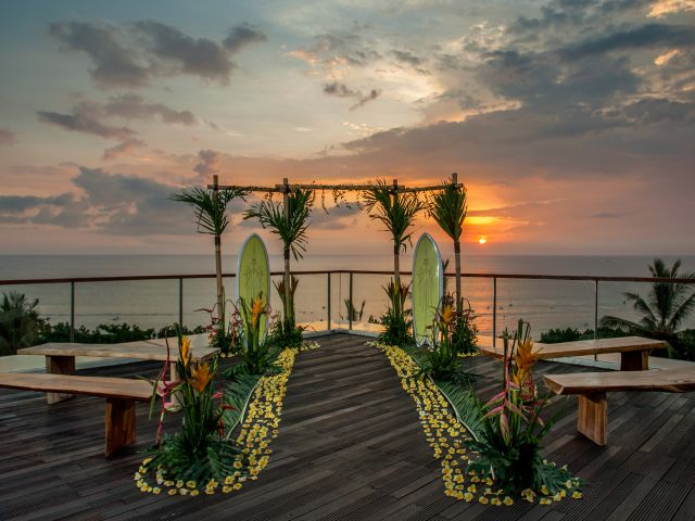 Dream Bali wedding venue and packages with all the wow vows, wow views and tropical bridal trimmings