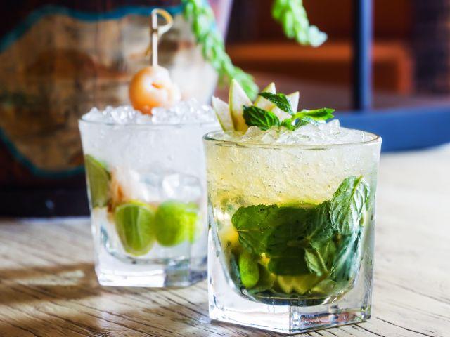 Cocktails in Bali: The Mulia