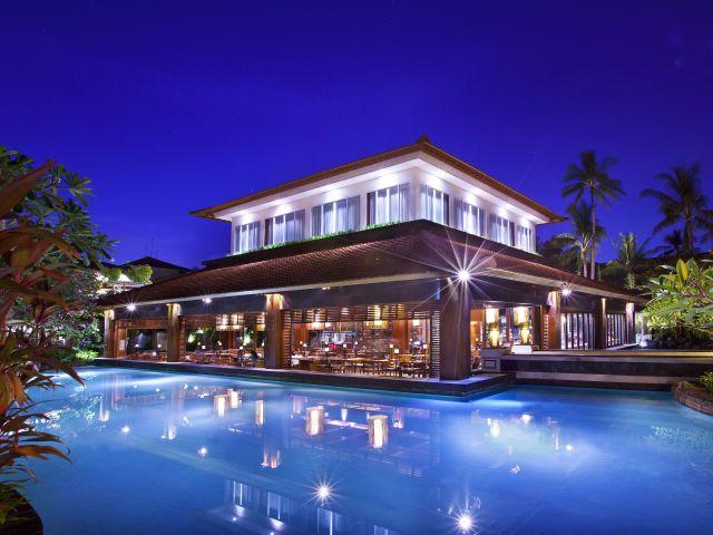 Christmas in Bali: Laguna
