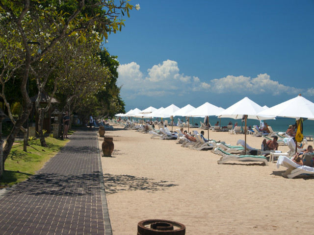 Sanur Guide: Beach walk