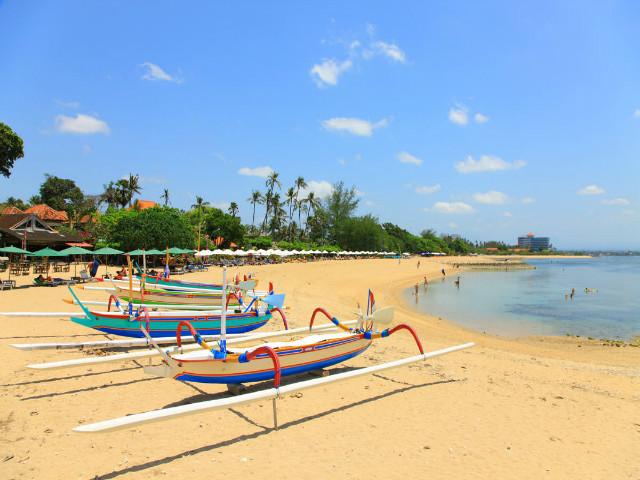 BALI'S ULTIMATE SANUR GUIDE: THINGS TO DO AND WHERE TO EAT, STAY AND CHILL IN THE NOT-SO-SLEEPY, BEACH-SIDE TOWN