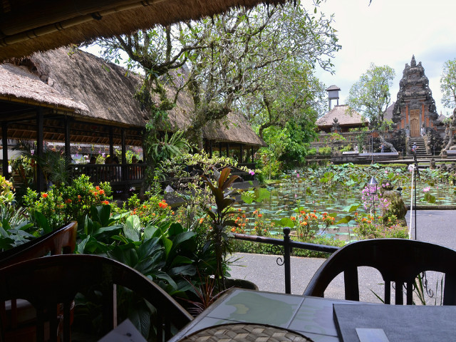 Restaurants in Ubud: Cafe Lotus