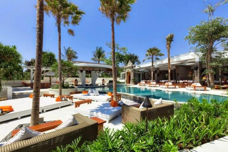 Nikki Beach Bali - get yourself into this pool!