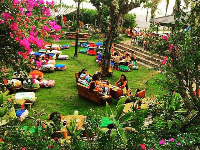 Places to eat in Berawa: La Laguna