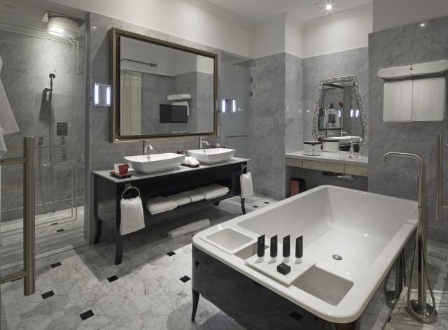 So.Lofty.Bathroom.with.signature.Bed.Bathtub