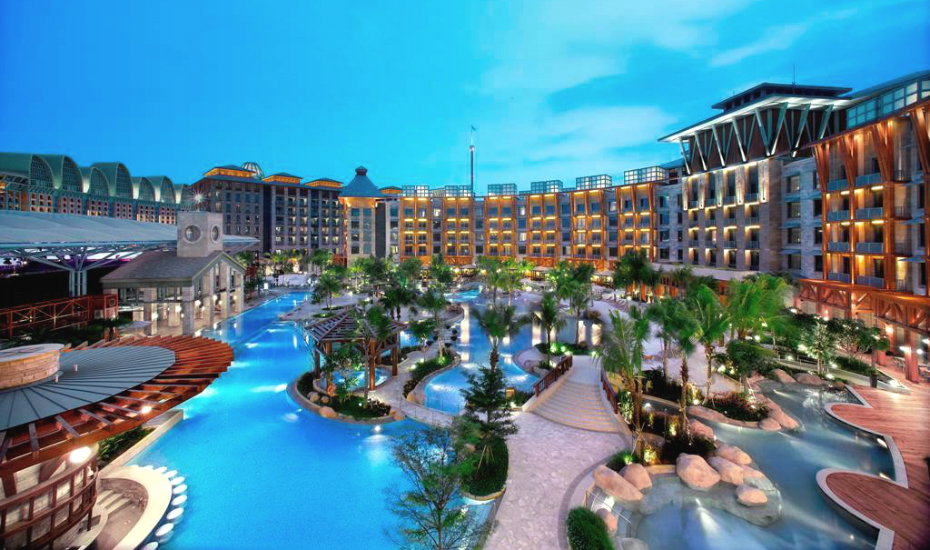 Hard Rock Hotel | best hotel swimming pools in SG