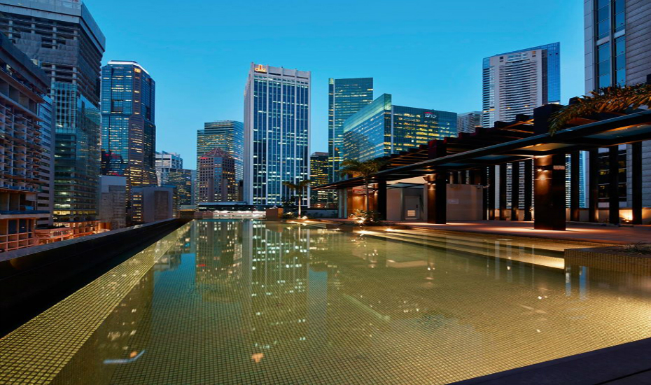 Swimming Pools In Singapore Five Star Hotels With The Best Infinity