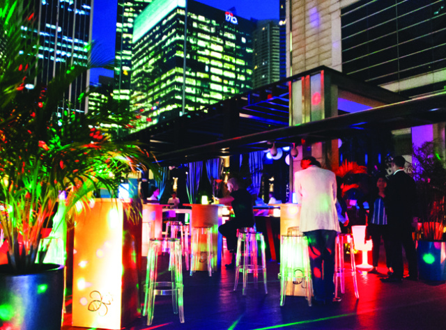 Drinks deals at HI-SO Sofitel So Singapore: 1-for-1 beers, 10 SGD cocktails and affordable wine galore
