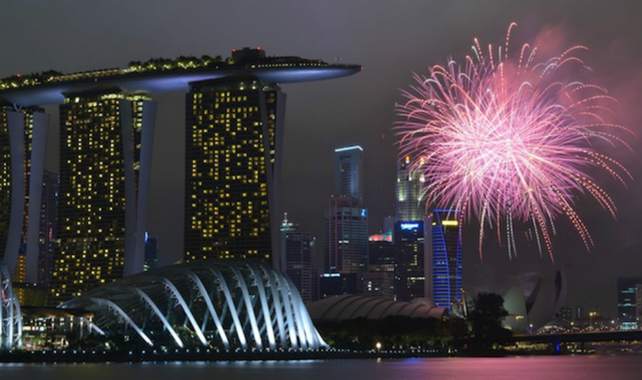If there's one thing Singapore does well, it's an impressive fireworks display Photo credit: Nicolas Lannuzel on Flickr